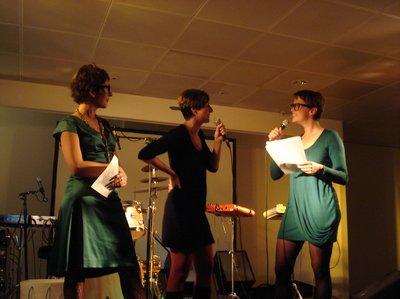 Der Hotlist-Preis 2010 ging an Ulrike Almuth Sandig (mi.)