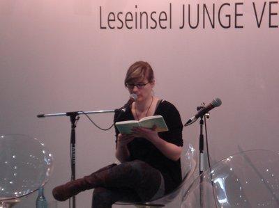 Kirsten Fuchs auf der Leseinsel