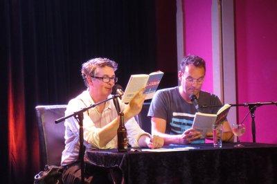 Volker Strübing und Volker Surmann lesen aus dem Roman Extremely Cold Water